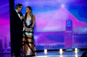 Miss America 1984 Vanessa Williams receives a public apology from Sam Haskell, CEO of the Miss America Organization