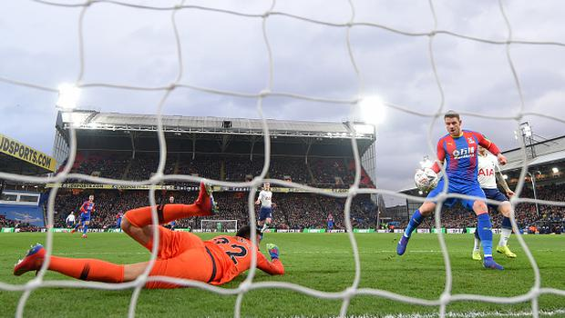 Connor Wickham of Crystal Palace scores his team's first goal past Paulo Gazzaniga during the FA Cup Fourth Round match between Crystal Palace and Tottenham Hotspur at Selhurst Park.  (Photo by Mike Hewitt/Getty Images)