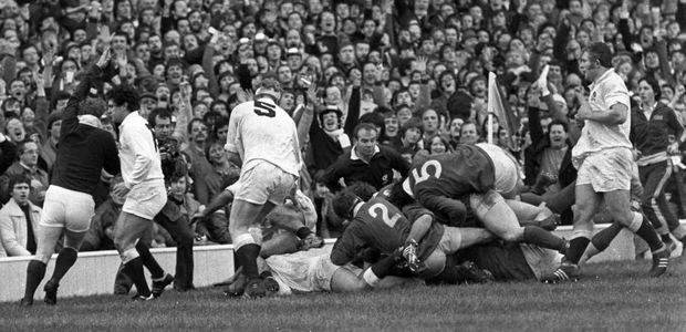 Referee A.M. Hosie signals an Irish try scored by 'Ginger' McLoughlin against England in 1982. Photo: Sportsfile