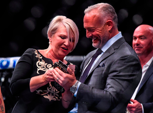 Margaret McGregor, mother of Conor, speaks with Lorenzo Fertitta, Chairman & CEO of UFC. Photo: Sportsfile