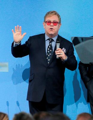 Elton John has publicly thanked Vladimir Putin for 'reaching out' to him to discuss gay rights