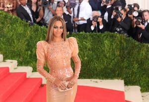 """Beyonce attends the """"Manus x Machina: Fashion In An Age Of Technology"""" Costume Institute Gala at Metropolitan Museum of Art on May 2, 2016 in New York City.  (Photo by Neilson Barnard/Getty Images for The Huffington Post)"""