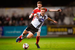 John Mountney of Dundalk in action against Ian Bermingham of St. Patricks Athletic. Photo by Eóin Noonan/Sportsfile