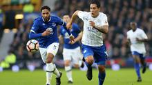 LIVERPOOL, ENGLAND - JANUARY 07: Leonardo Ulloa of Leicester City in action with Ashley Williams of Everton during the FA Cup third round tie between Everton and Leicester City at Goodison Park on January 07, 2017 in Liverpool, England.  (Photo by Plumb Images/Leicester City FC via Getty Images)