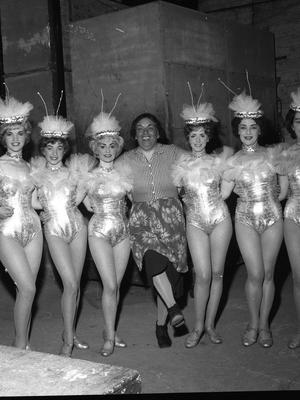Last night of the Theatre Royal Hawkins Street Dublin 1962 (Part of the Independent Newspapers Ireland/NLI Collection) Staff and performers. 30th June 1962 The Royalettes with Cecil Sheridan