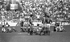Republic of Ireland v Romania, Stadio Luigi Farraris, World Cup, Italia 90. Packie Bonner, penalty. The score was  Republic of Ireland 0 -  Romania 0, 5-4 penalties. A Bonner save from Daniel Timofte in the shootout sent the Irish team through to the quarter-final. 25/6/1990 INDO PIC (Part of the NPA and Independent Newspapers)