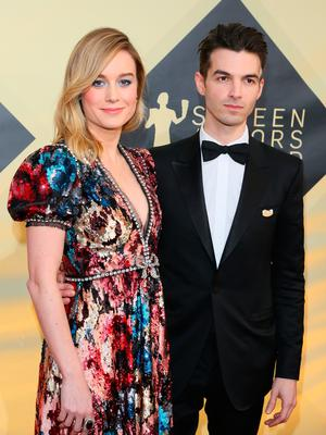 Brie Larson and musician Alex Greenwald arrive for the 24th Annual Screen Actors Guild Awards at the Shrine Exposition Center on January 21, 2018, in Los Angeles, California. / AFP PHOTO / Jean-Baptiste LACROIX