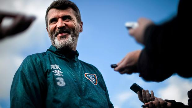 5 June 2015; Republic of Ireland assistant manager Roy Keane during a pitchside update. Gannon Park, Malahide, Co. Dublin. Picture credit: David Maher / SPORTSFILE