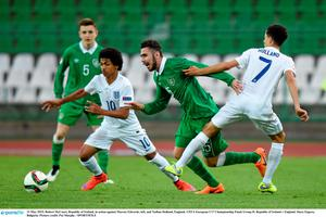 13 May 2015; Robert McCourt, Republic of Ireland, in action against Marcus Edwards, left, and Nathan Holland, England. UEFA European U17 Championship Finals Group D, Republic of Ireland v England, Stara Zagora, Bulgaria. Picture credit: Pat Murphy / SPORTSFILE