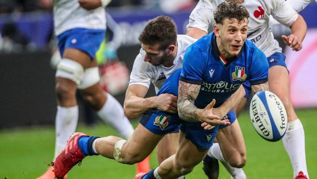 France go to top with 35-22 win over Italy