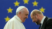 Pope Francis speaks with European Parliament President Martin Schulz at the institution's headquarters in Strasbourg. REUTERS/Christian Hartmann