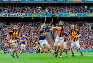 Brendan Maher, Tipperary, in action against Henry Shefflin, Kilkenny