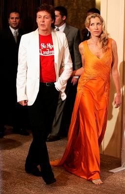 Musician Sir Paul McCartney and  Heather Mills attend the Fifth Annual Adopt-A-Minefield Gala night held at the Beverly Hilton Hotel on November 15, 2005 in Beverly Hills, California.  (Photo by Frazer Harrison/Getty Images)