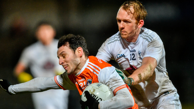 Jamie Clarke of Armagh in action against Keith Cribbin of Kildare. Photo by Piaras Ó Mídheach/Sportsfile