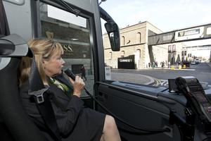 """Dublin Coach Tour guide storyteller Cathy Carberry onboard the new Dublin """"Cityscape"""" Luxury Sightseeing Tours service."""