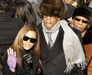 Beyonce Knowles and husband Jay-Z arrive on the inaugural stage ahead of the inauguration of Barack Obama as the 44th President of the United States of America on the West Front of the Capitol January 20, 2009