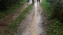 Pauline, Mary and Liz walk the Camino in the rain