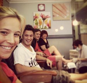 """""""Waiting for mini Buble...week 39! Come on!! Haha"""" Luisana wrote under this photo of herself and friends. (Photo: Instagram/ Luisana Lopilato)"""