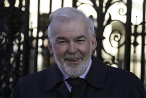 Chairman of the Convention of the Irish Constitution Tom Arnold