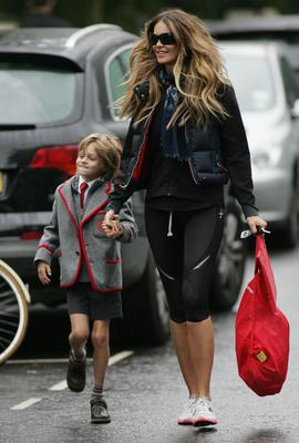 LONDON, UNITED KINGDOM - OCTOBER 05: Elle Macpherson on the school run in Notting Hill on October 5, 2010 in London, England. (Photo by Jack/FilmMagic)
