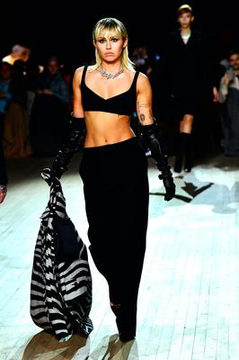 Miley Cyrus walks the runway at the Marc Jacobs Fall 2020 runway show during New York Fashion Week on February 12, 2020 in New York City. (Photo by Slaven Vlasic/Getty Images for Marc Jacobs)