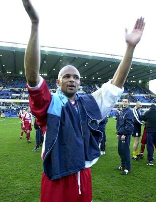 Roy Essandoh celebrates after his goal knocked out Leicester City in the quarter-final of the FA Cup in 2001. Photo: Getty Images