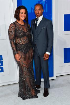Ashley Graham and husband Justin Ervin attends the 2016 MTV Video Music Awards at Madison Square Garden on August 28, 2016 in New York City.  (Photo by Jamie McCarthy/Getty Images)