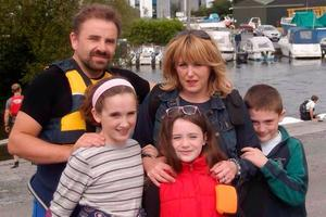 Devoted dad Eamonn with his children Sarah (14), Alex and Lucy (12) and wife Sharon