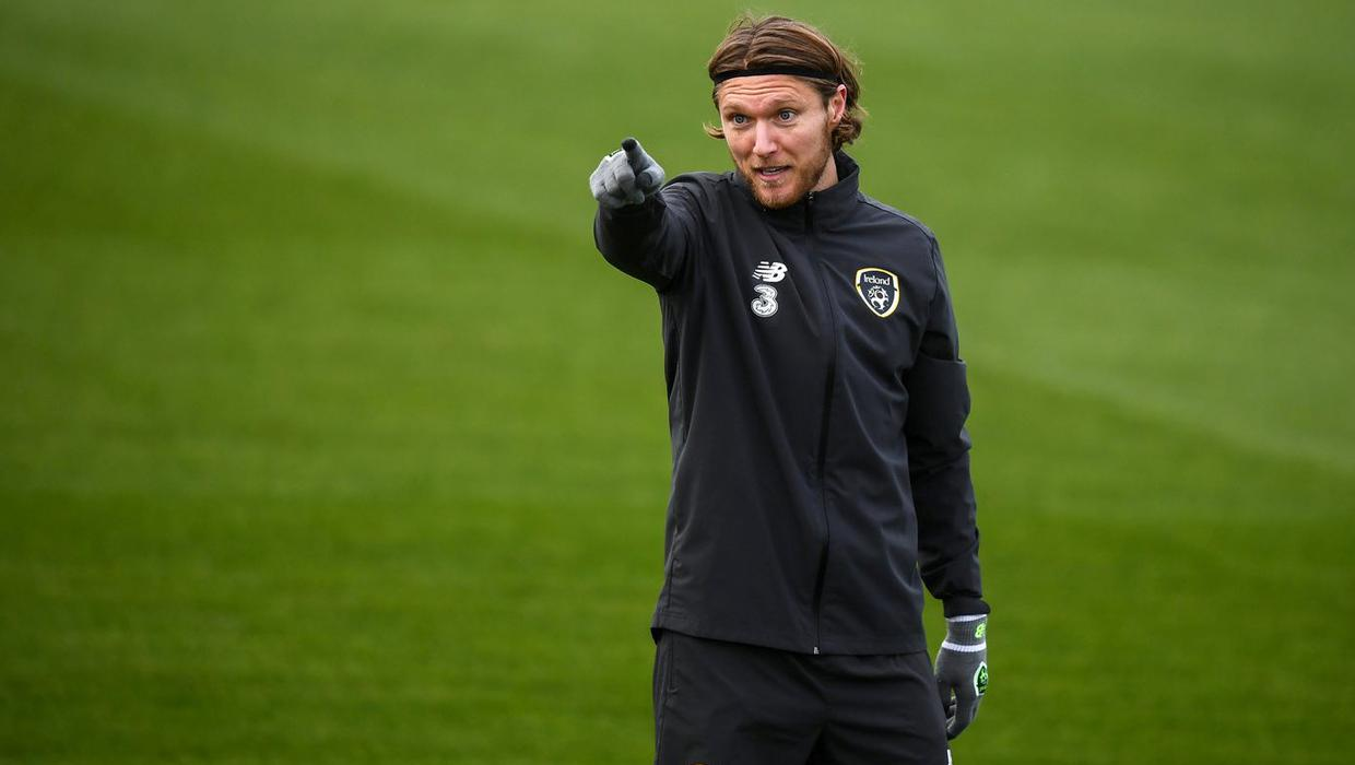 Jeff Hendrick in no hurry as AC Milan join chase for Irish midfielder