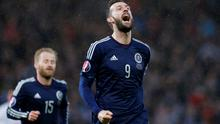 Football - Scotland v Gibraltar - UEFA Euro 2016 Qualifying Group D - Hampden Park, Glasgow, Scotland - 29/3/15 Scotlands Steven Fletcher celebrates scoring their fifth goal Reuters / Russell Cheyne Livepic EDITORIAL USE ONLY.