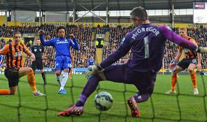 Loic Remy scores the winner against Hull City