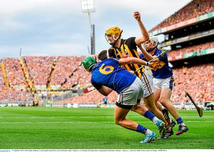 27 September 2014; Colin Fennelly, Kilkenny, in action against James Barry, left, and Brendan Maher, Tipperary. GAA Hurling All Ireland Senior Championship Final Replay, Kilkenny v Tipperary. Croke Park, Dublin. Picture credit: Pat Murphy / SPORTSFILE