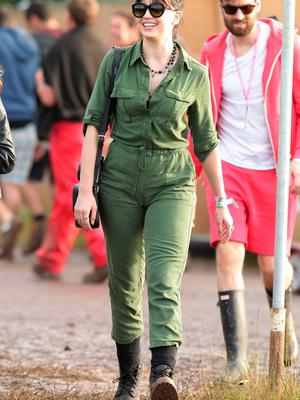 Daisy Lowe backstage at the Glastonbury Festival, at Worthy Farm in Somerset. PRESS ASSOCIATION Photo. Picture date: Friday June 26, 2015. Photo credit should read: Yui Mok/PA Wire