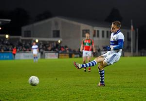 Tomas Quinn, St Vincent's, shoots to score his side's third goal of the game from a penalty. AIB Leinster GAA Football Senior Club Championship Semi-Final, St Vincent's v Garrycastle. Parnell Park, Dublin. Picture credit: Stephen McCarthy / SPORTSFILE
