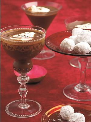 Creamy chocolate cocktails and white chocolate truffles