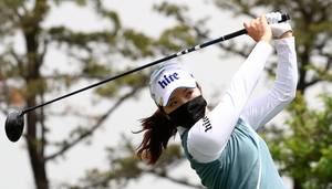 South Korea's Ye-Rim Choi hits a tee shot on the first hole during the first round of the 42nd KLPGA Championship. The KLPGA is the world's first major golf tour to be in action amid the coronavirus pandemic. Photo :Chung Sung-Jun/Getty Images