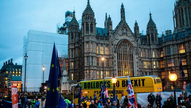 Anti-Brexit protesters demonstrate outside the Houses of Parliament on January 15, 2019 in London, England (Photo by Jack Taylor/Getty Images)