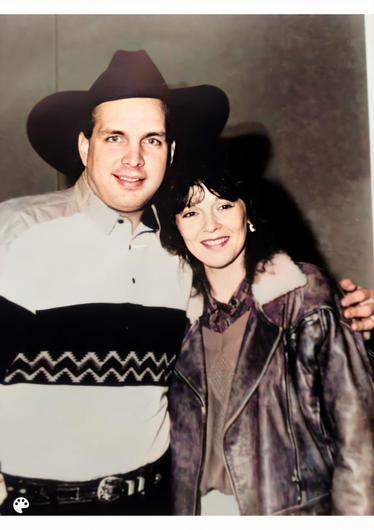 Mary Duff and Garth Brooks in 1991