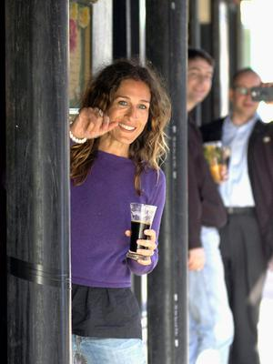 Actress Sarah Jessica Parker stops for a Guinness in Foley's Pub  in Dublin, Ireland.  (Photo by ShowBizIreland/Getty Images)