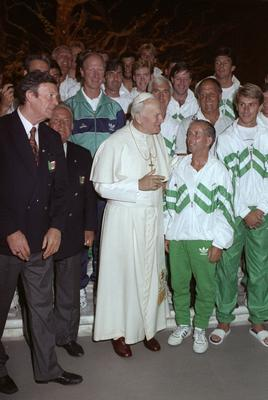 Pope John Paul II stands in front of Jack Charlton and the Ireland team in Rome during the 1990 World Cup