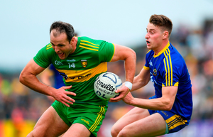 SLICK TURN: Donegal's Michael Murphy gets away from Roscommon's Niall McInerney at Dr Hyde Park, Roscommon on Saturday. Photo: Sportsfile