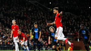 Manchester United's Bruno Fernandes scores their first goal from the penalty spot.  Action Images via Reuters/Jason Cairnduff