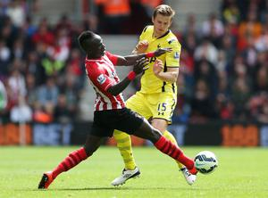 "Football - Southampton v Tottenham Hotspur - Barclays Premier League - St Mary's Stadium - 25/4/15 Tottenham's Eric Dier in action with Southampton's Sadio Mane Action Images via Reuters / Matthew Childs Livepic EDITORIAL USE ONLY. No use with unauthorized audio, video, data, fixture lists, club/league logos or ""live"" services. Online in-match use limited to 45 images, no video emulation. No use in betting, games or single club/league/player publications.  Please contact your account representative for further details."