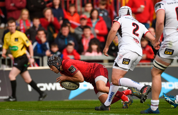 Munster's Duncan Williams scores his side's first try during the match against Ulster at Thomond Park. Photo: Diarmuid Greene/Sportsfile