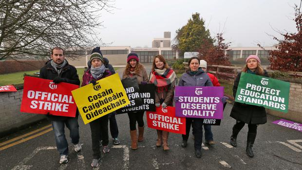 Teachers at Maynooth Education Campus incorporating Maynooth Post Primary School and Maynooth Community College, Co. Kildare pictured on the picket line outside their school this morning