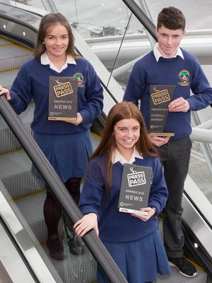 NewsBrands Ireland Press Pass awards which took place at the Convension Centre Dublin.  Pictured are from left: Kate Ní Dhubháin 1st place Winner of the News category, Tomás Ó hUallacháin, Overall Winner  and Ciara Ní Bhruic 2nd place Winner News Category all from Pobalscoil Chorca Dhuibhne, An Daingean.  of the NewsBrands Ireland Press Pass Awards. Photo: Fennell Photography 2017.