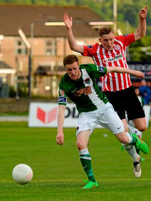 26 June 2015; Garry Buckley, Cork City, in action against Ronan Curtis, Derry City. SSE Airtricity League Premier Division, Derry City v Cork City, Brandywell, Derry. Picture credit: Oliver McVeigh / SPORTSFILE