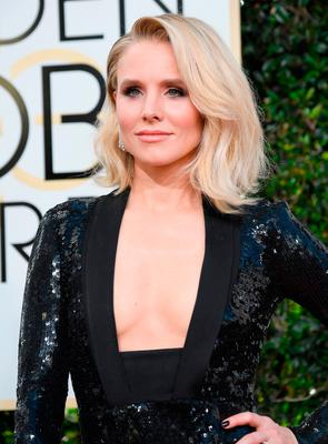 Actress Kristen Bell attends the 74th Annual Golden Globe Awards at The Beverly Hilton Hotel on January 8, 2017 in Beverly Hills, California.  (Photo by Frazer Harrison/Getty Images)