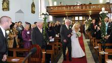 Roscommon bride Avril Hunt was shocked when she spotted her brother in the congregation after he told her he couldn't make it home from Australia. Photo by Elaine Lally.