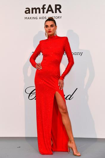 Ukrainian model Alina Baikova poses as she arrives on May 23, 2019 for the amfAR 26th Annual Cinema Against AIDS gala at the Hotel du Cap-Eden-Roc in Cap d'Antibes, southern France, on the sidelines of the 72nd Cannes Film Festival. (Photo by Alberto PIZZOLI / AFP)